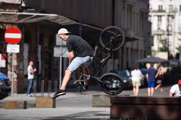 Fly Fall The Street Photographer - 2018 EyeEm Awards Architecture City Full Length Sport