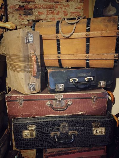 Move Antiques Trip Photo Theatre Arts Old Fashion Style Vintage Photo Maletas Traveling Viajes  Indoors  Close-up Technology Suitcase Luggage Travel Abandoned Obsolete