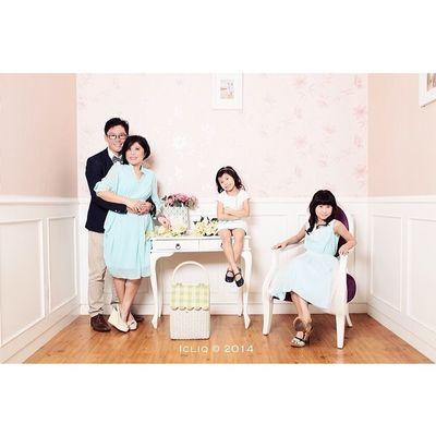 Family love Icliq Tjokro Family Photoshoot Squaready