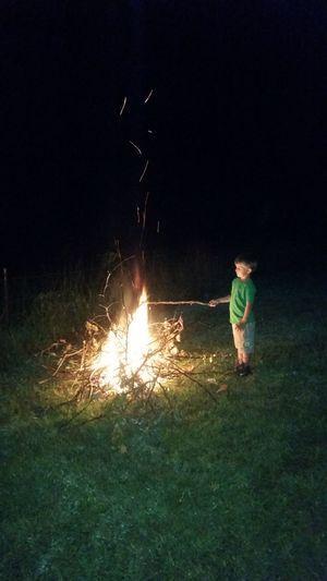 👫 Grandkids 💙💛💜 💯 Country Life Family 🙏🙌 Preschooler Missouri Ozarks, USA 💥💖 Full Length Standing Motion Field Sky Grass Bonfire Sparks Campfire Burning Flame Heat