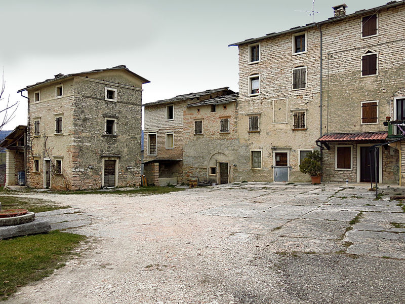Abandoned Places Closed Places Courtyard  Landscape_photography Mountain Architecture No People Outdoors Remote Stone Houses