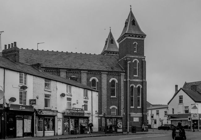 Queensgrove Methodist Church, Kettering Road, Northampton Architecture Building Exterior Church Methodist Kettering Road Built Structure Monochrome FUJIFILM X-T2 Monochrome Photography Industrial Landscapes Northampton Black And White Architecture