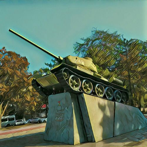 No People T-34-85 Tank Tanks T34 Tourism Galaxy S7 Ukraine 💙💛 Galaxy Army War Military Dnipropetrovsk Ua Photo Of The Day Dnipropetrovsk Dnipro Dnipro City Funny City City Life Photography Capital Cities  Architecture Day Sky