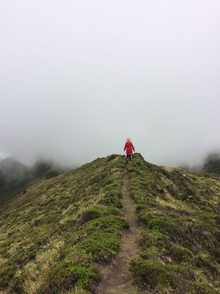 Nature Fog Mountain Walking Beauty In Nature Hiking Scenics Outdoors Day Non-urban Scene Real People Rear View
