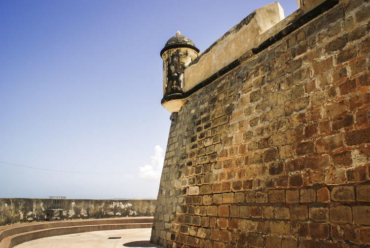 Old Spanish colonial castle in Cumaná, Venezuela Castle Cumaná Spanish Venezuela Architecture Brick Building Exterior Built Structure Canon Caribbean Colonial Colonial Architecture Day History No People Old Sky The Past Watchtower