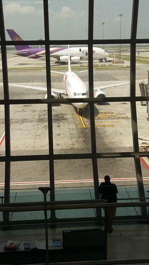 Airport Waiting Airport Airportphotography Silhouette Lifeasiseeit John Nelson Traveling Waiting Waitingforaflight Bangkok