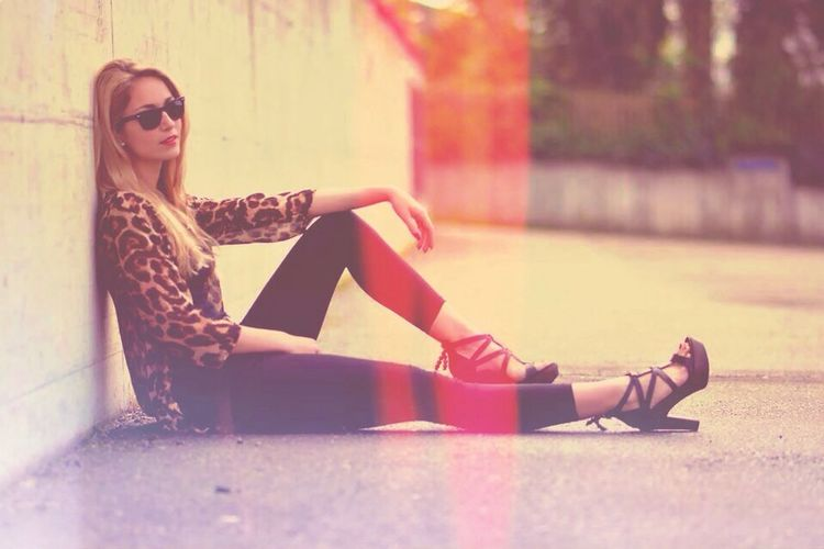 Lookbook Red Light Blondie Lepard