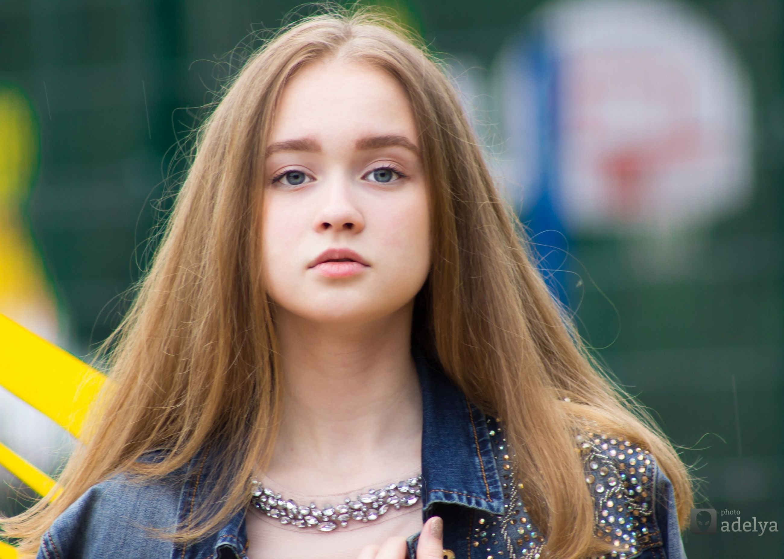 young women, long hair, young adult, blond hair, person, leisure activity, lifestyles, headshot, focus on foreground, beauty, front view, casual clothing, looking at camera, confidence, day, fashionable, beautiful people, straight hair