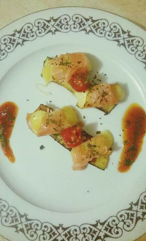 Saumon au fromage sur un lit de courgette et sa sauce napolitaine 🍛 Taking Photos Hello World Cheese! Enjoying Life Cuisine Gastronomy French Food Yummy Miam Likeforlike Like4like Likes Tagsforlikes Comment4comment