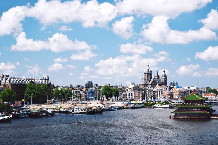 Nemo Science Centre Amsterdam Holland Netherlands Centraal Station City Cityscapes River View Traveling Battle Of The Cities