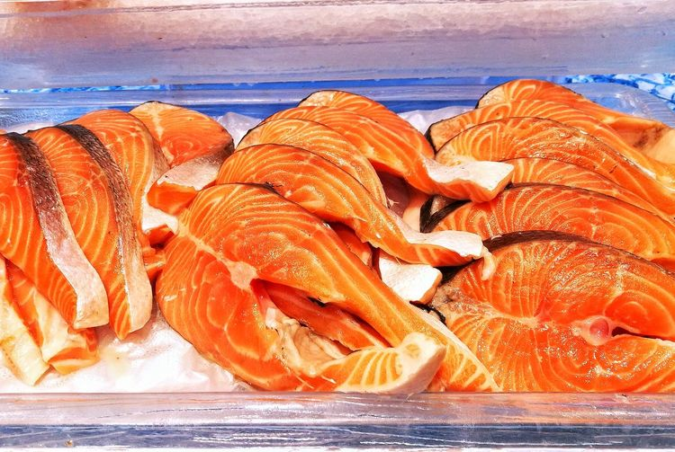 Raw Salmon Salmon - Seafood Salmon Sashimi Fish Market Fish Meat Food Food And Drink Water No People Nature Day Outdoors Freshness Close-up