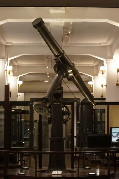 Old-fashioned Astronomical Telescope Exhibit  Indoors  Architecture Interior Architecture Museum Nature And Science Enjoying Life Taking Photos 天体望遠鏡 National Museum Of Nature And Science,Tokyo 国立科学博物館 Tokyo,Japan