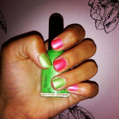 Nailfix! Naglar Nails Lack Nagellack  Rosa grönt neon