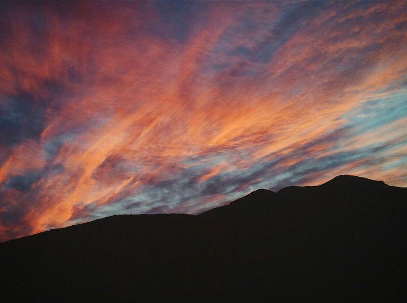 amaneciendo en el desierto. Amanecer Amaneceres Amaneciendo Amanecer En Mi Ciudad Atacama Desert Desiertodeatacama Desierto Desierto Chileno Sunday