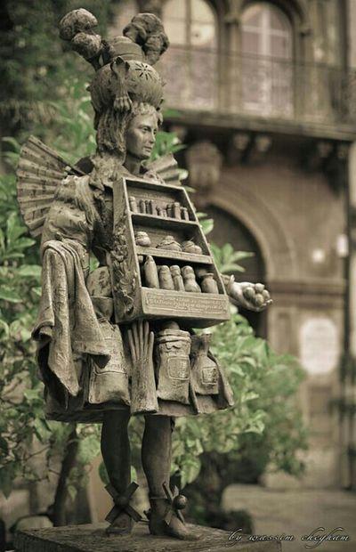 Habit de parfumeur Fragonard Parfum Parfurms Parfume Parfumerie Eaudetoilette Eaudeparfum Statue Statues Grace City