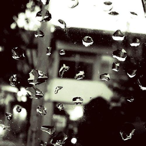 LlueveEnBuenosAires Ventana Gotas Frio