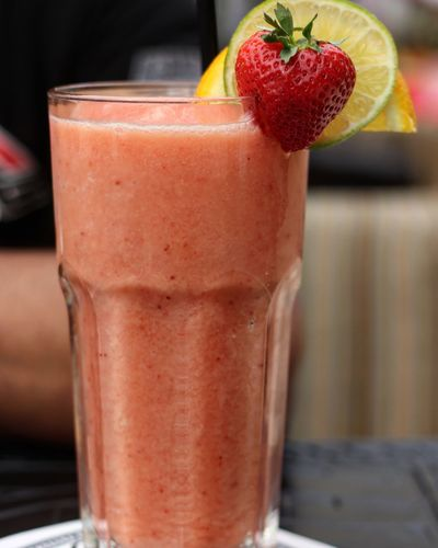 Smoothie Drink Healthy Eating Fruit Strawberry Freshness Berry Fruit Healthy Lifestyle Close-up Gourmet EyeEmNewHere Summer Exploratorium