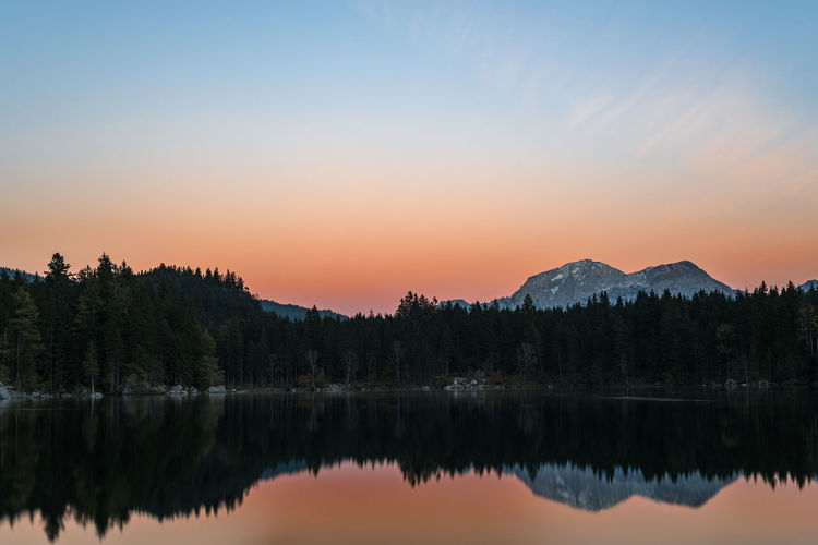 Sunset at the lake Alpen Berge Hintersee Sonnenuntergang Spiegelung Alps Beauty In Nature Bergsee Lake Mountain Nature No People Outdoors Ramsau  Reflection Romantisch Silhouette Sky Sunset Tranquil Scene Tranquility Water