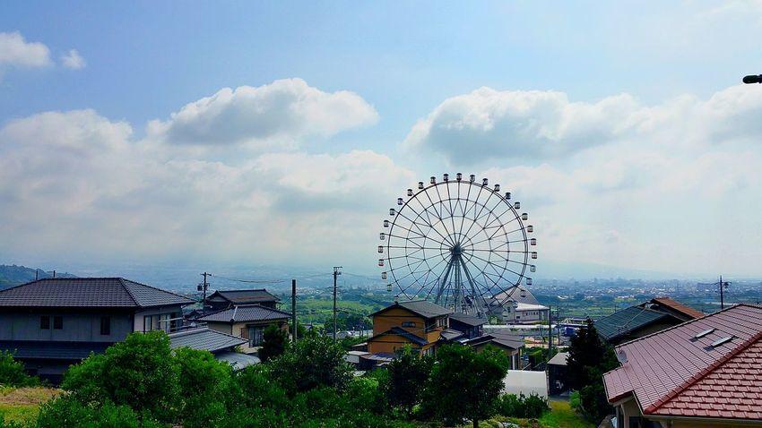 おはようございます。最近出張がちでしたので、少しゆっくりな朝でした。さぁ、今日は岩淵八坂神社の祇園祭、当日。良い天気になり、暑い富士市です。午前7時に鳴った花火は、お祭り開催を告げる花火だったのかなぁ。主人は準備に向かいました。お昼からは本格的に、お祭りモード。元気出していきましょう!! お祭り 富士川SA 富士川楽座 富士川観覧車 富士市岩渕 1年に1度の大切な日 Hello World Japanese Carnival Summer 夏の日