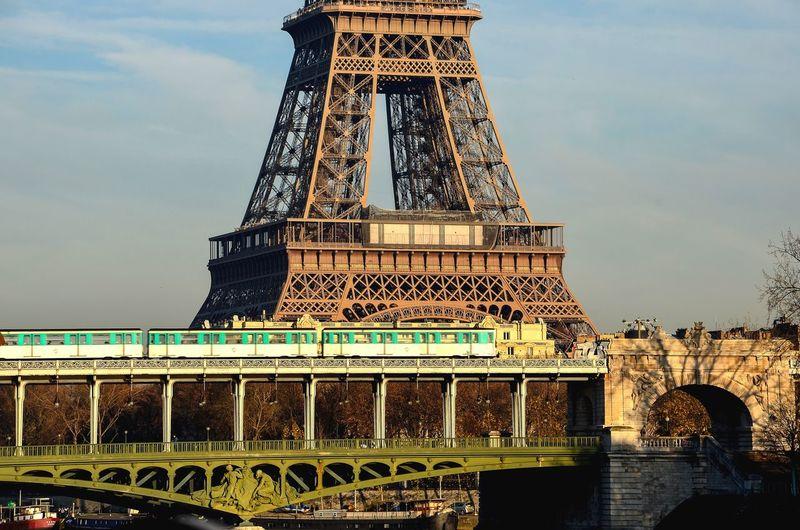 Iconic Paris Paris Paris ❤ Eiffel Tower Eiffeltower Cityscape Skyline Urban Skyline Mobility In Mega Cities Tower Architecture Built Structure Travel Destinations No People City