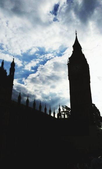 Bigben Architecture London Clock Tower Travel Destinations Cloud - Sky History Built Structure Sky Day Clock People Outdoors EyeEm LOST IN London
