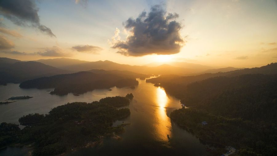 Aerial sunset Kenyir Dam Golden Hour Kenyir Lake Kenyir Dam Dam Aerial Landscape Aerial Sunset Aerial Photography Aerial Photo Sunset Scenics Sky Beauty In Nature Water Nature Tranquil Scene No People Outdoors River Tranquility Cloud - Sky Tree Travel Destinations Landscape Day