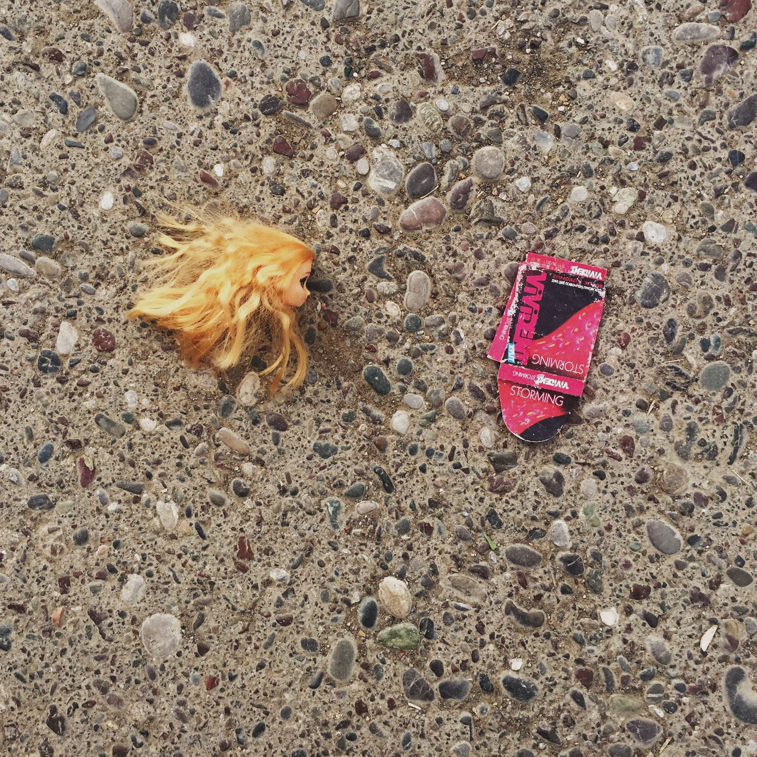 high angle view, still life, ground, leaf, single object, close-up, asphalt, no people, abandoned, fallen, dry, autumn, day, street, directly above, red, outdoors, messy, field, heart shape