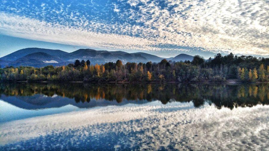 Tree Water Mountain Lake Reflection Sky Landscape Mountain Range Reflection Lake Tranquil Scene Calm Scenics Lakeside Autumn Mood