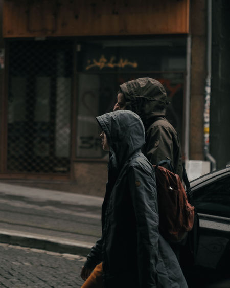 City under the rain. #tourism #rain  #rainyday #couple #porto #streetphotography #mood EyeEmNewHere City Period Costume Visiting Historic