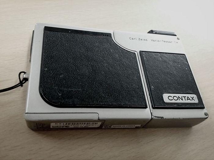 Contax Sl300rt Camera 가볍고 셀카 자유롭게 찍을수있는 녀석^^