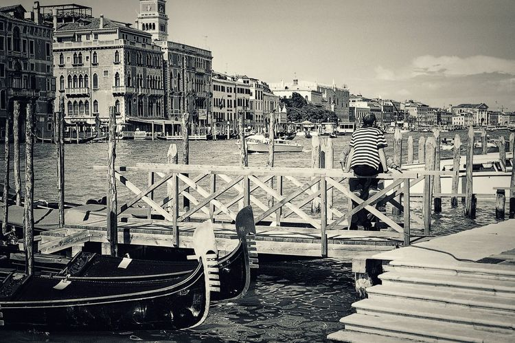 Waiting for business. Venice Venice, Italy Gondola Blackandwhite Black And White Black And White Photography Blackandwhite Photography Italy❤️ Black & White Transportation Film Is Not Dead Film Film Photography 35 Mm Film Venice Canals Italia Italy Showcase July Neighborhood Map Connected By Travel