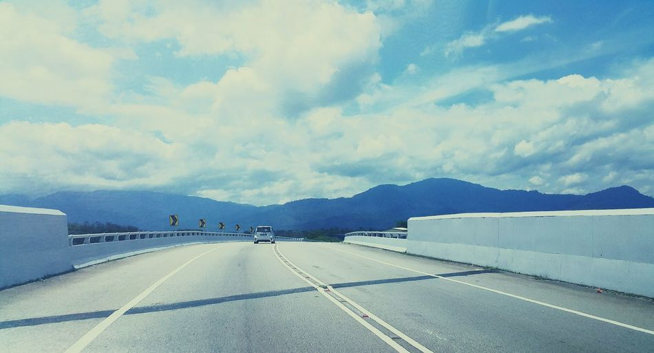 RePicture Travel Banjaran Titiwangsa Longwaytogo  Bluesky In The Same Sun On The Road Feeling Inspired