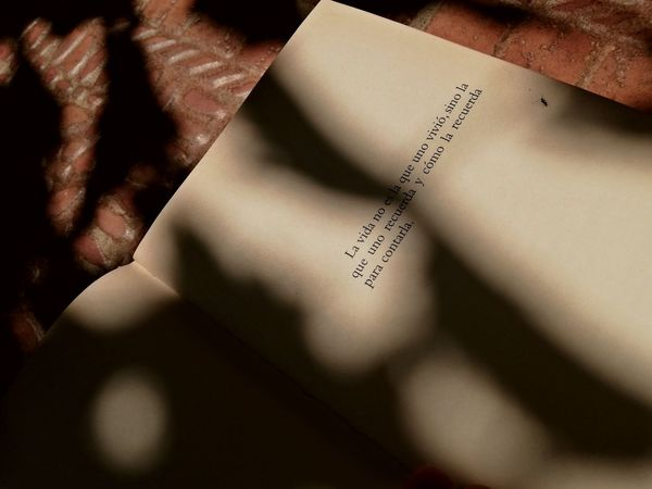 Quotes Spanish Quotes Spanish Language EyeEm Best Shots EyeEmNewHere Book Paper Shadow Still Life Text