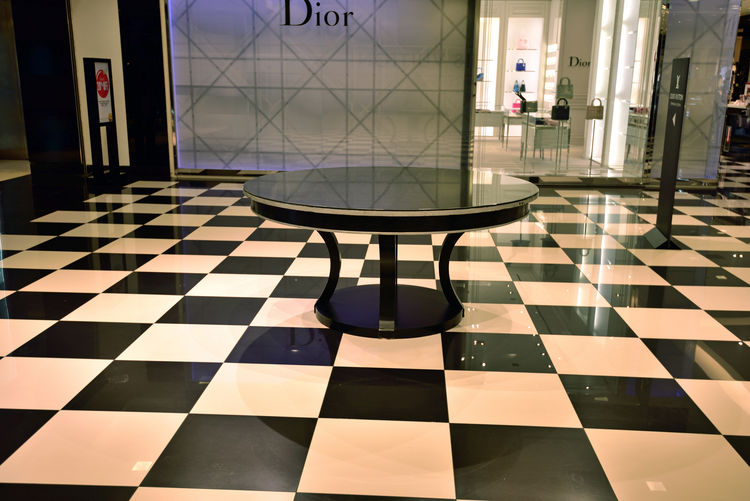 The Westfield San Francisco Centre 9 The Architect - 2016 EyeEm Awards Upscale Urban Shopping Mall 1991 Fabulous Floors Tiles Art Mall Interior Geometric Patterns Pattern Pieces Checked Pattern Round Table Screens Dior Display Window Reflection Glass Owned By The Westfield Group Forest City Enterprises Architecture Anchor Tenets : Nordstrom & Bloomingdale Owned: The Westfield Group Forest City Enterprises 180+ Stores 500,000 Square Ft. San Francisco State University Satellite Campus 180 + Stores 500,000 Square Ft. Urban Photography Urban Geometry Mall Interior Stylish Design