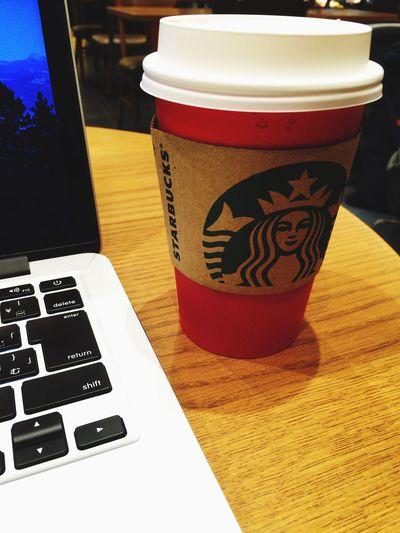 時間までコーヒー&クリームホワイトモカでのんびり