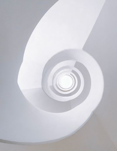 🌀🇸🇪📲 Architecturelovers Stairs_collection White Background White Lookingup Architectureporn Staircase Minimalism Arch IPhoneography EyeEm Best Shots Architecturephotography Architecture_collection Minimalist Architecture Minimalist Minimal Modern Architecture The Week on EyeEm Editor's Picks Spiral Architecture Geometric Shape Built Structure Shape Circle White Color Design Steps And Staircases Staircase Railing Spiral Staircase