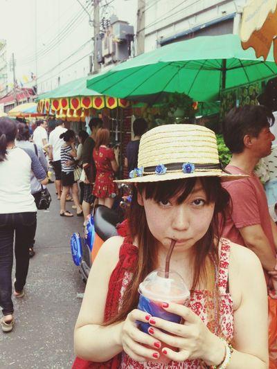 Thailand Thailand_allshots Bangkok That's Me Juice Veryhot Hot Day People Watching Anime Otaku