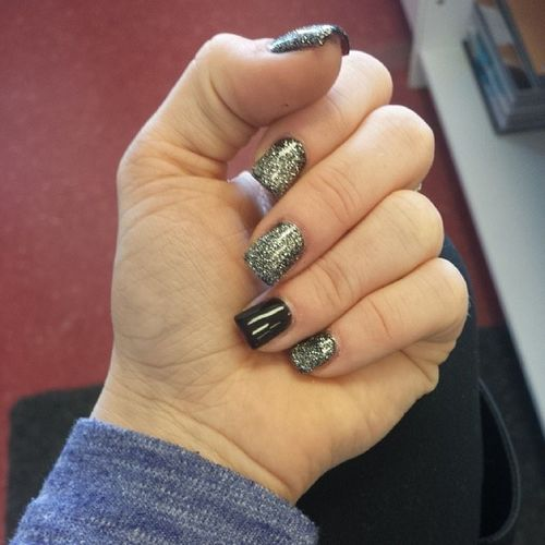 Made em to be like me this week :) ..dark and morbid with a touch of sparkle :P Nailsdid Blackisback Myfavoriteornament OPI gelcolorbyopi