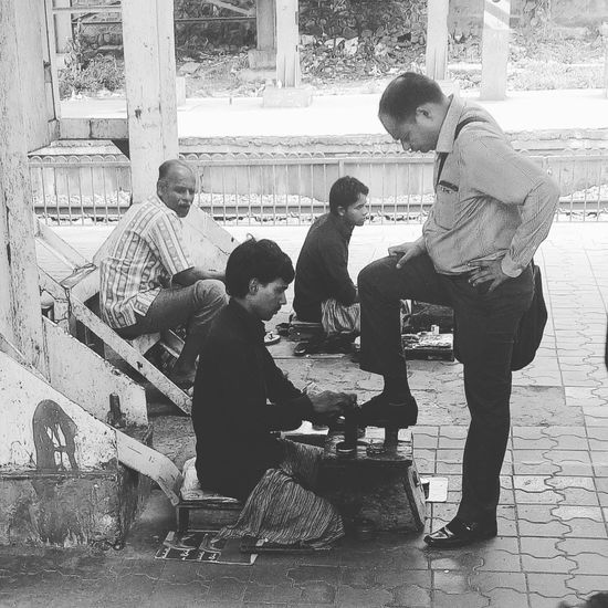 Railwaystation BootPolisher Mumbai MumbaiDiaries Mumbaimerijaan Mumbailife Mumbailocal Mumbai Local Train Indianstories Indianphotographer india Photography Photographer Photo Of The Day