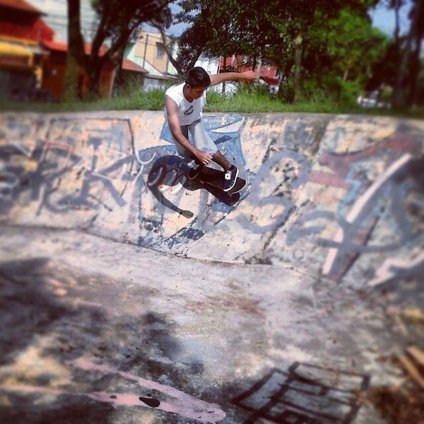 Enquanto eu tiver pernas vou andar por ai, feito um louco sem noção do perigo, porque o bom mesmo é fazer o que te faz feliz! Skateboard Skateboarding Sk8 Sk8life
