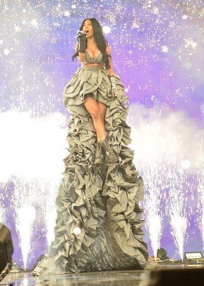 Fashion Nicki Minaj Gorgeous Emas