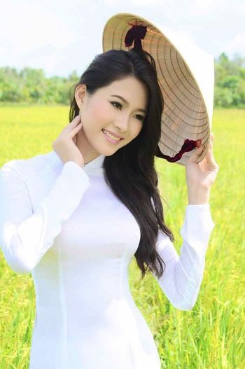 The Portraitist - 2015 EyeEm Awards Vietnamesegirl Ao Dai Vietnam Portrait Missvietnam Portraits Sweet Faces Asian Beauty
