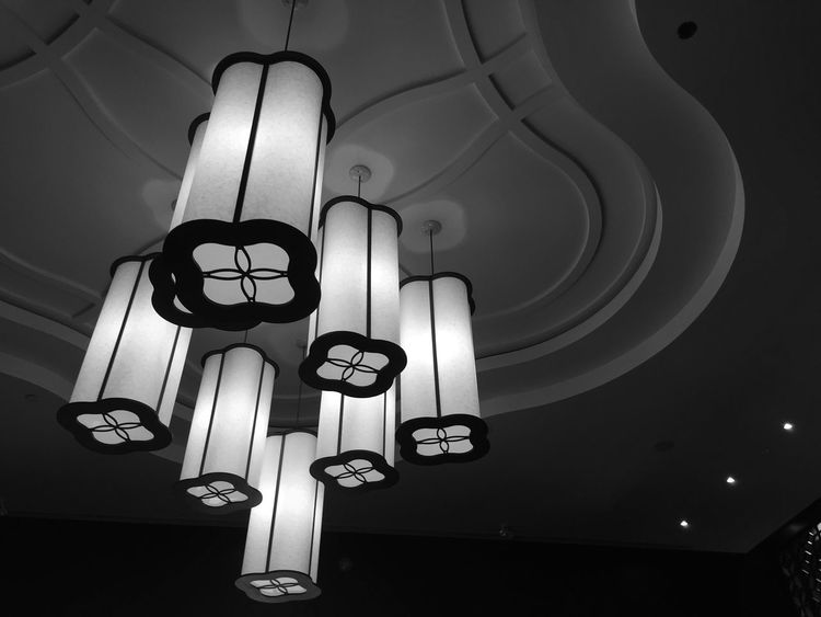 Light-Play Ceiling Illuminated Glowing Blackandwhite Black And White Architectural Feature Bw_lover Bw_collection EE_Daily: Black And White Shootermag EyeEm Best Shots - Black + White EyeEm Masterclass EyeEm Gallery EyeEm Best Shots Low Angle View Architecture EyeEmBestPics Light Eye4photography  Lighting Equipment