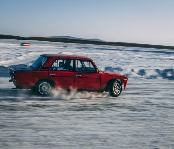 Drift on ice
