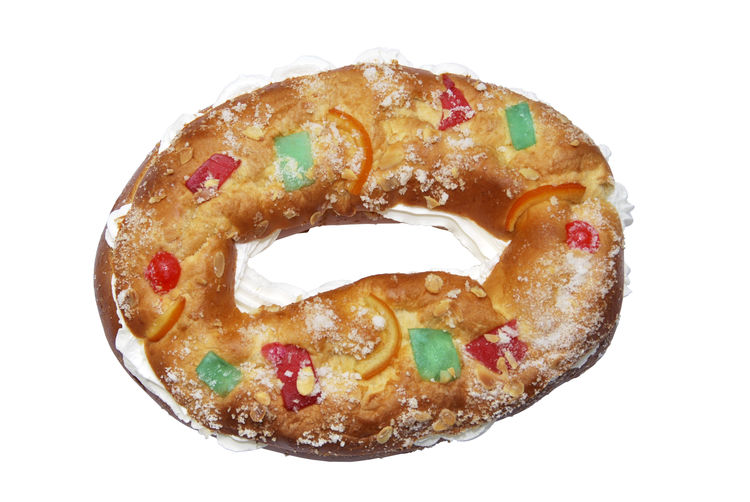 Roscon Stuffed Baked Close-up Cut Out Dessert Food Food And Drink Freshness High Angle View Indoors  Indulgence No People Ready-to-eat Roscón De Reyes Roscón Navideño Snack Still Life Studio Shot Sweet Food Temptation White Background
