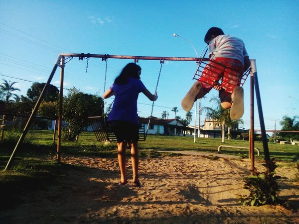 Two People Child Playing Children Playing Children Portraits Childrenphoto Children's Playground Simple Moment EyeEm Gallery Peoplephotography Eyemphotography EyeEm Brasil Goias Brazil ❤ Brazil