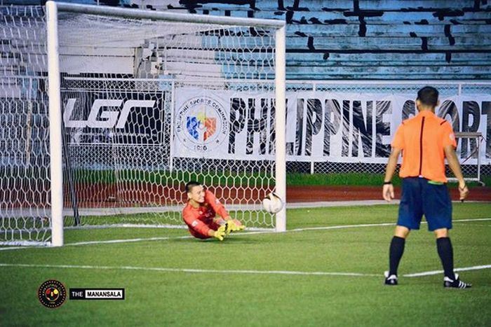 "Former Ateneo MFT's goalie and UAAP Season 75 MVP Nick O'Donnell (@n1ckodonne11) indeed is a ""King of Penalty Shootout!"" ⚽ . . . Sbspotlight Soccerbible UFL Unitedfootballleague unakaya kayafc football themanansala"