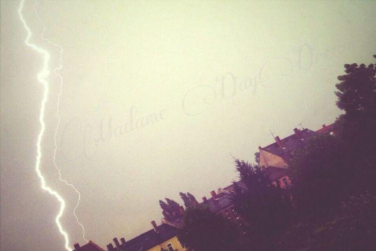 Gewitter Blitz Madame Daydream