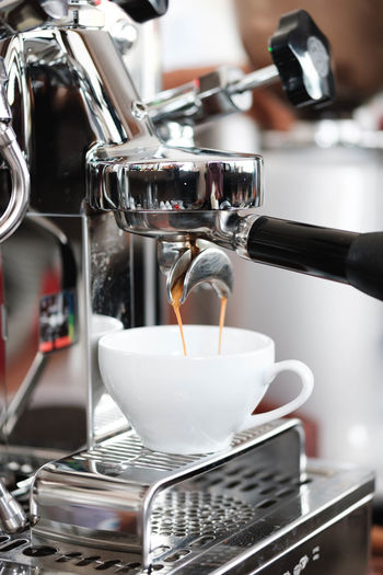 Food And Drink Coffee Coffee - Drink Drink Coffee Maker Appliance Indoors  Cafe Espresso Maker Pouring Preparation  Close-up Freshness Refreshment Coffee Shop Cup Coffee Cup Mug Machinery Preparing Food