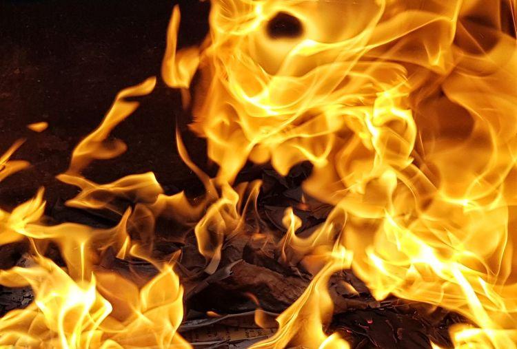 Fireball Bomb Sparks Firework - Man Made Object Fire - Natural Phenomenon Firewood Burnt Firework Light Painting Exploding Fire Pit The Mobile Photographer - 2019 EyeEm Awards